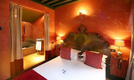 Camera Clasica - Hotel Cour Des Loges - Lione
