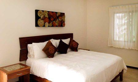 Standard Room 1 king bed - Hotel Casa Ticul - Playa Del Carmen