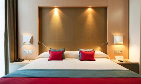 Doppelzimmer mit Zustellbett (2 Erwachsene + 1 Kind) - Vincci Selección Posada Del Patio - Malaga