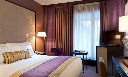 Superior Room,1 queen-size bed, balcony and garden view - Sofitel Strasbourg Grande Ile - Strasbourg