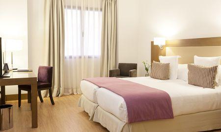 Standar Zimmer - Molina Lario - Malaga