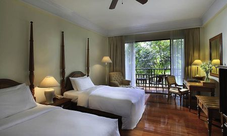 Camera Luxe ,2 Single Beds, Terrazza - Sofitel Angkor Phokeethra Golf & Spa Resort - Siem Reap