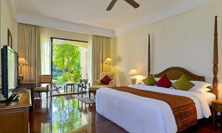 Camera Luxury ,1 King Bed,Terrazza - Sofitel Angkor Phokeethra Golf & Spa Resort - Siem Reap