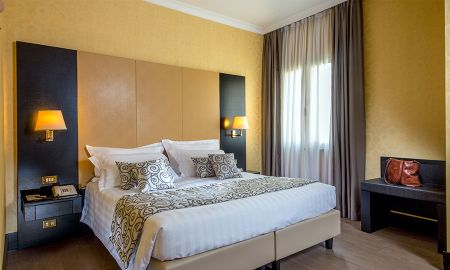 Quarto Duplo Clássico - Hotel Savoy Rome - Roma