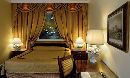 Habitación Doble Interior - Sin Ventana - Sin Balcón - Sin Vista - Hotel Royal Olympic - Atenas