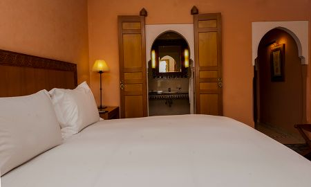 Luxury Room, king-size bed, view of the Atlas Mountains - Hotel Sofitel Marrakech Palais Imperial - Marrakech
