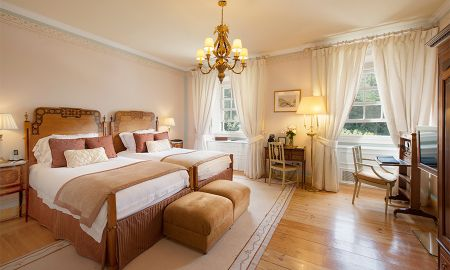 Chambre Supérieure Twin - Vue Piscine - Hotel Tivoli Palácio De Seteais - Lisbonne
