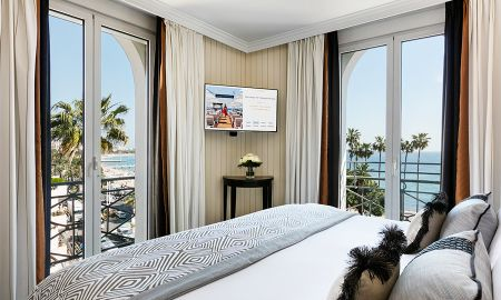 Junior Suite Sea View - Hotel Barriere Le Majestic Cannes - Cannes