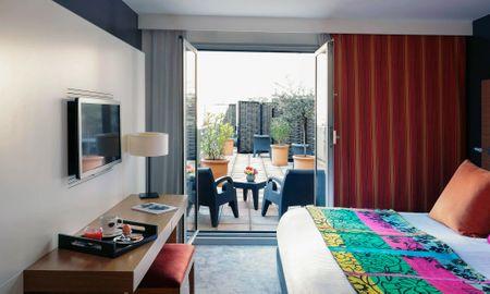 Camera Doppia Deluxe - Terrazza - Vista Piscina - Grand Hôtel Roi René Aix-en-Provence Centre - MGallery - Aix En Provence