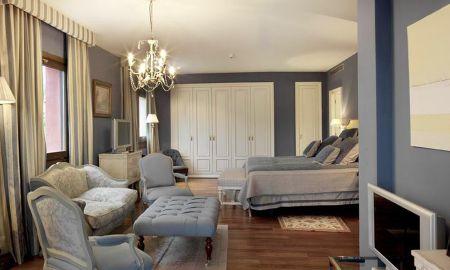 Junior Suite With Spa Access - Gran Hotel Balneario Blancafort - La Garriga