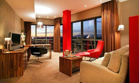 Classic Junior Suite with Barcelona Skyline View - Hotel Pullman Barcelona Skipper - Barcelona