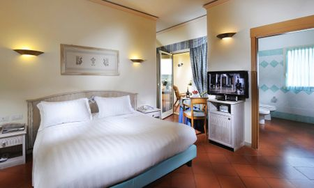 Chambre Superior Executive Single & King - Côté Jardin - Hotel Pullman Timi Ama Sardegna - Sardaigne