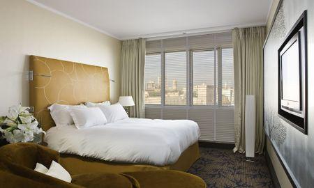 Luxus Doppelzimmer - Blick auf den alten Hafen - Hotel Sofitel Marseille Vieux Port - Marseille