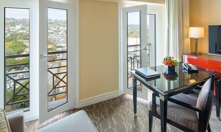 Beverly King Suite with Separate Living Room - Sofitel Los Angeles At Beverly Hills - Los Angeles