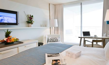 Camera Classic King - Terraza & Vista Parziale Mare - Hotel Pullman Cannes Mandelieu Royal Casino - Cannes