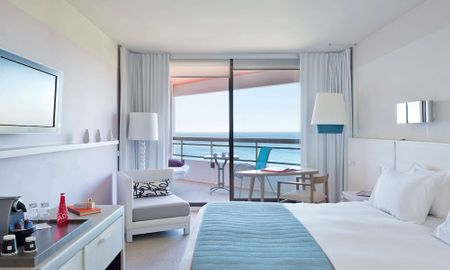 Deluxe King Room - Panoramic Sea View & Terrace - Hotel Pullman Cannes Mandelieu Royal Casino - Cannes