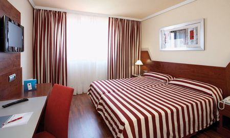 Urban Triple Room - Hotel FrontAir Congress - Barcelona