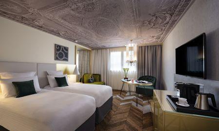 Quarto Deluxe Familiar - Duas Salas Conexão - Hôtel Le Louis Versailles Château - MGallery - Versalhes