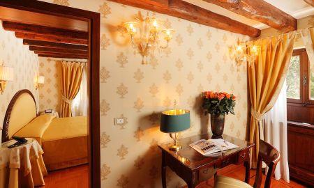 Quarto Triplo Deluxe - Hotel Palazzo Stern - Veneza