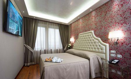 Suite with City View - Hotel Santa Chiara - Venice