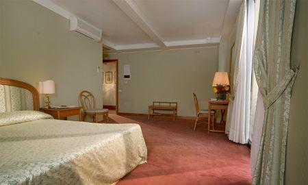 Chambre Classique Triple - Hotel Santa Chiara & Residenza Parisi - Venise