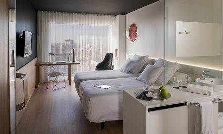 Orbital Room with Extra Bed - Hotel Barceló Sants - Barcelona