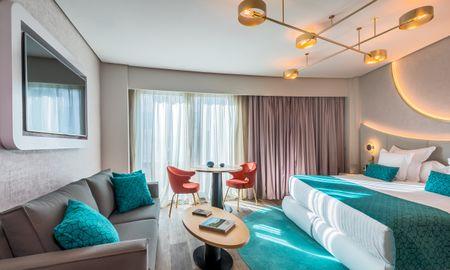 Habitación Deluxe Premium - 2 adultos + 1 niño (menor de 12 años) - Hotel Barceló Sevilla Renacimiento - Sevilla