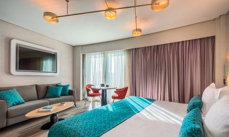 Habitación Deluxe Premium - 2 adultos + 2 niños (menores de 12 años) - Hotel Barceló Sevilla Renacimiento - Sevilla