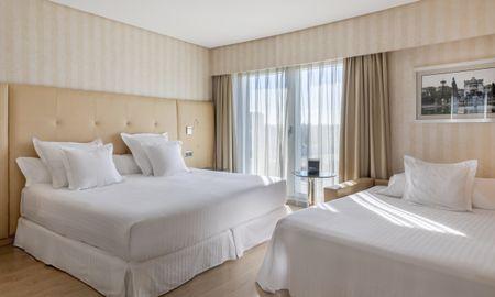 Habitación Familiar - 2 adultos + 1 niño (menor de 12 años) - Hotel Barceló Sevilla Renacimiento - Sevilla