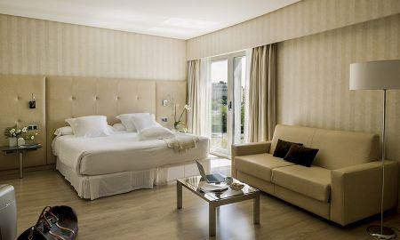 Quarto Familiar - 2 adultos + 1 criança (até 12 anos) - Hotel Barceló Sevilla Renacimiento - Sevilha