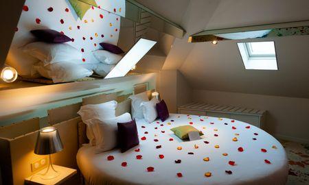 Chambre Atelier d'Artiste Avec Jacuzzi Et Lit Rond - Hotel Design Secret De Paris - Paris